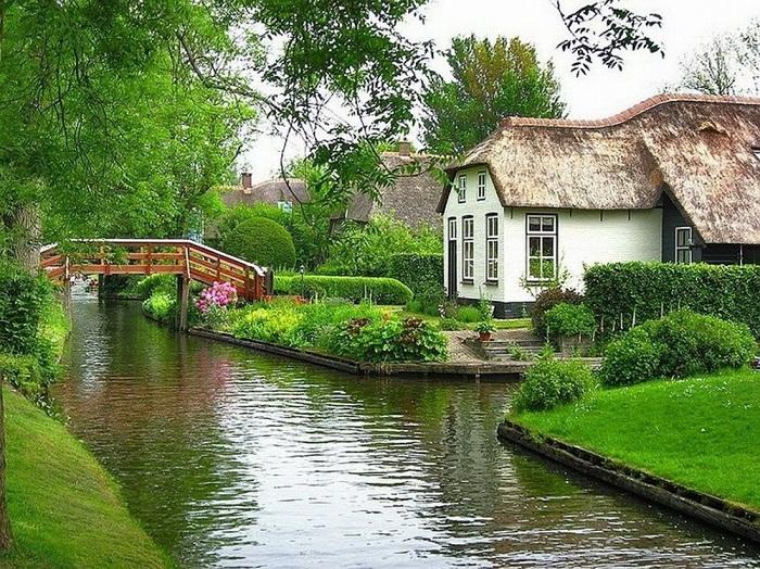 Рукотворные каналы деревни Гитхорн.