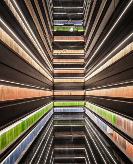 Можно забрести и в такой фантастический пролет (Zhongshuge Bookstore, Ningbo). | Фото: newatlas.com.