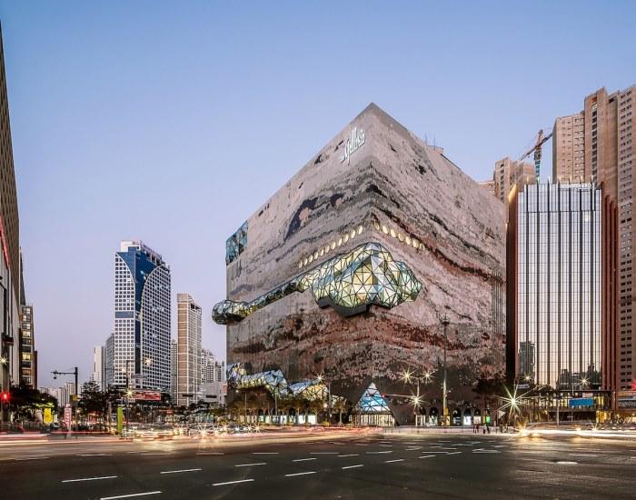 «Многослойное» футуристическое здание универмага «Galleria» стало оригинальным украшением делового квартала. | Фото: mymodernmet.com/ © Hong Sung Jun, OMA.