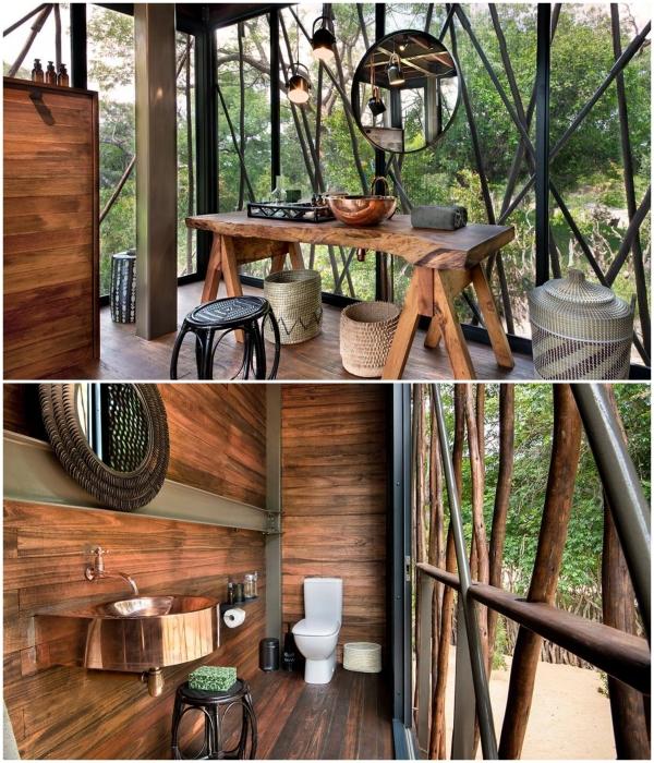 Ванная комната, расположенная на открытом балконе отельного номера «Ngala Treehouse» (Kruger National Park, ЮАР). | Фото: signatureluxurytravel.com.au.