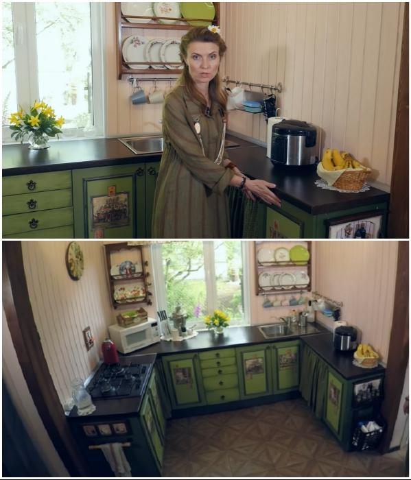 С помощью навесных шкафчиков старого мебельного гарнитура, установленных на пол, удалось создать П-образную кухню. | Фото: youtube.com/ © Новая Кухня Натали Нуво.
