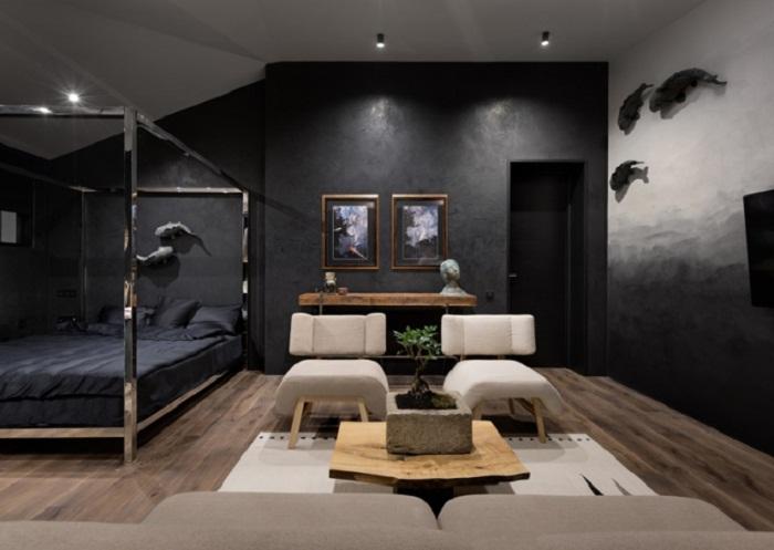 Одна из спален совмещена с зоной отдыха (Wabi Sabi Apartment).