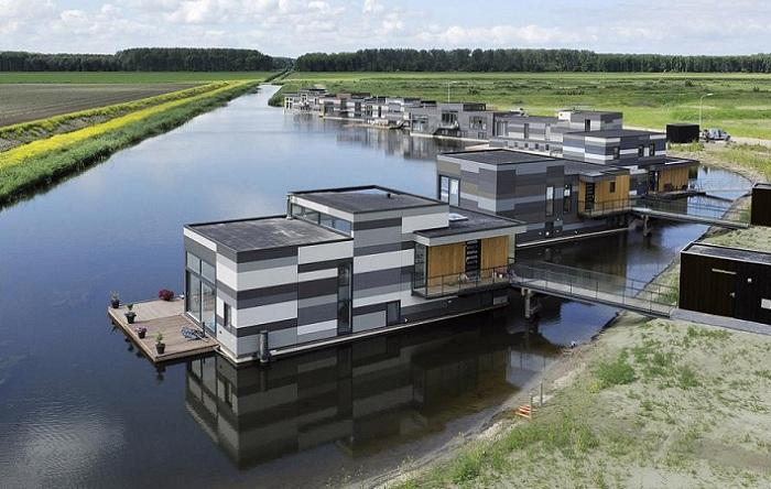 Небольшое поселение на воде организовали в 40 км. от города Лелистад (Нидерланды). | Фото: archfacade.ru.