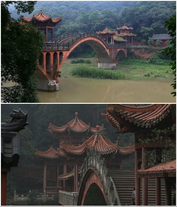 Лунный мост соединяет холмы и ведет к статуе Leshan Giant Buddha (Эмэйшань, Китай). | Фото: askideas.com/ mediastorehouse.com.