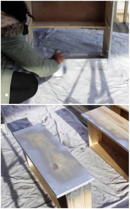 Покрасить каркас и торцевые стороны комода с помощью аэрозольной краски несколько раз. | Фото: youtube.com.