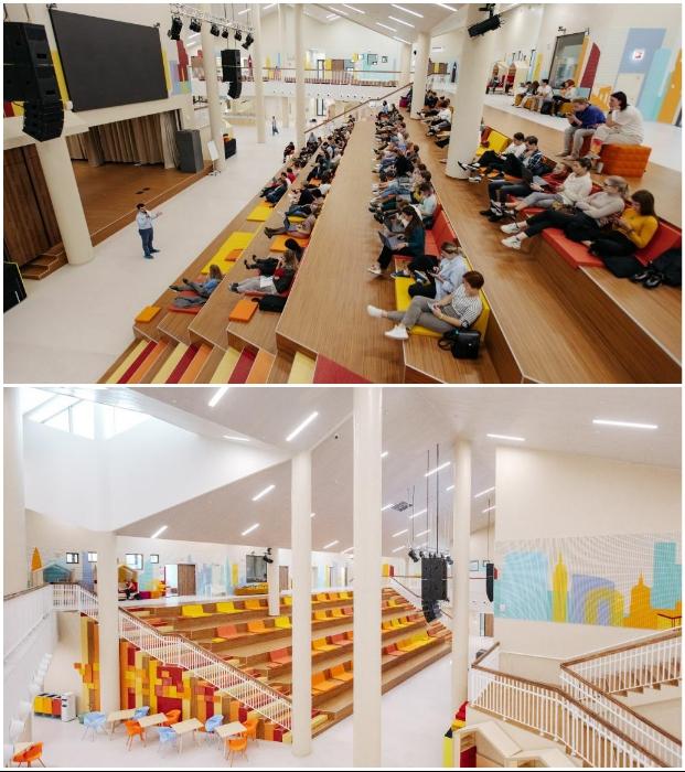 Два актовых зала оформлены в виде открытых аудиторий, на ступенях которых имеются очень удобные кресла («Точка будущего», Иркутск).