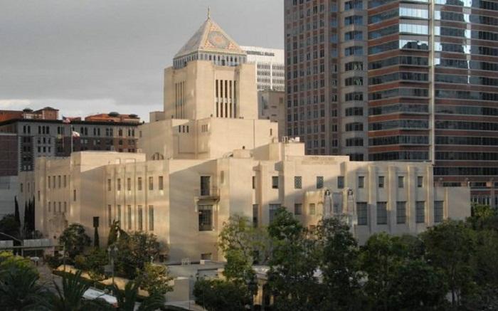 Здание Публичной библиотеки Лос-Анджелеса было построено в 1926 году (США).