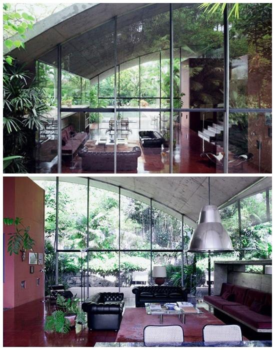 Чтобы быть ближе к природе, в доме сделали стеклянные стены.