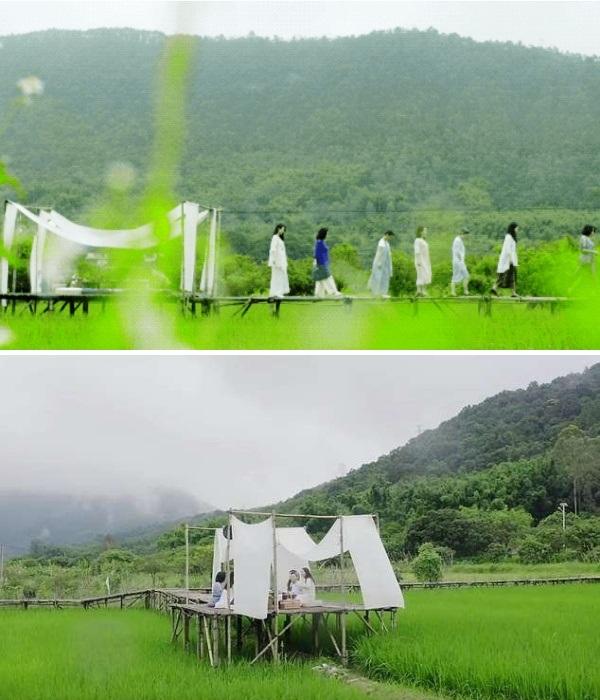 Каждое утро девушки отправляются пить чай в свой чайный домик, среди рисового поля. | Фото: m.creaders.ne.