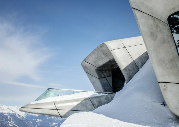 Смотровая площадка Messner Mountain Museum расположена на высоте 2275 м над уровнем моря.   Фото: bubblemania.fr.