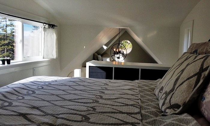 Вполне просторная и комфортная спальня и зона отдыха в Esk'et Sqlelten.