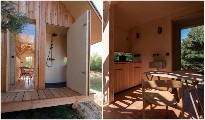 В универсальном доме обустроена полноценная кухня, душевая и санузел (Cabin ANNA).