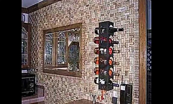 Оригинальное декорирование стен на кухне.