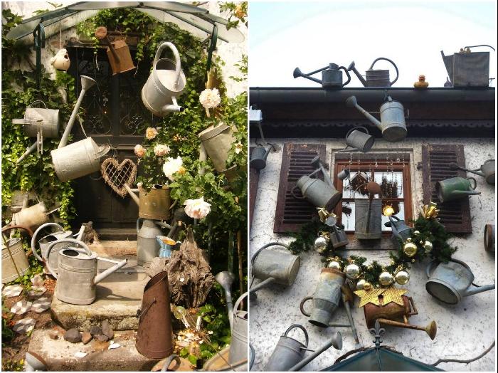 Уже 15 лет Бруно Гейер собирает садовые лейки для полива и украшает свой дом, двор и окрестности («L'arroisoir», Франция). | Фото: designyoutrust.com.