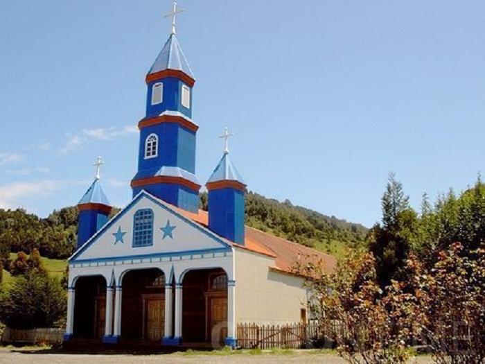 Церковь в Тэнаун (Остров Чилоэ).