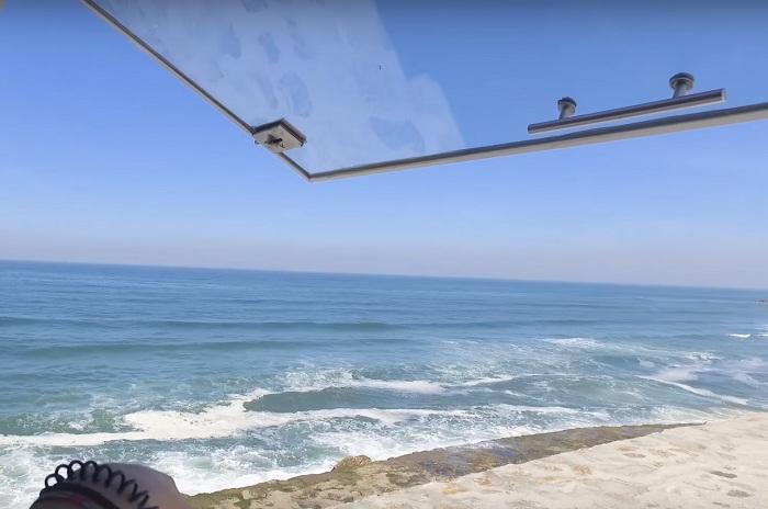 Восхитительный вид из окна мобильного отеля.