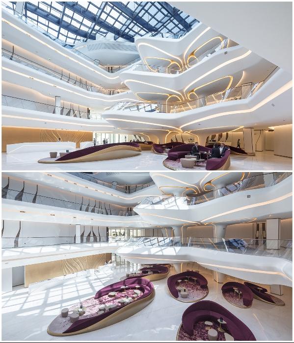 В атриуме создан четырехъярусный вестибюль в стиле Захи Хадид («The Opus», Дубай). | Фото: zaha-hadid.com/ © Laurian Ghinitoiu.