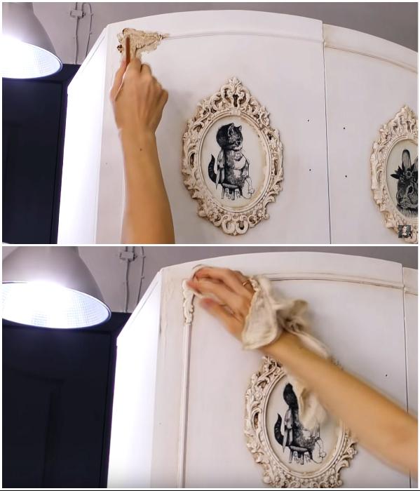 Чтобы сделать благородные «потертости» на поверхности мебели, используем воск нужного цвета. | Фото: youtube.com/ © DrujkaLena.