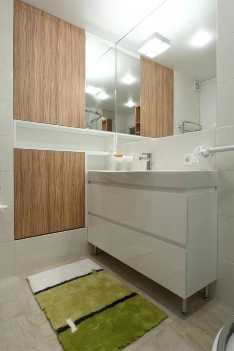 Минимализм в оформлении ванной комнаты помог создать идеальный интерьер. | Фото: interiorsmall.ru.