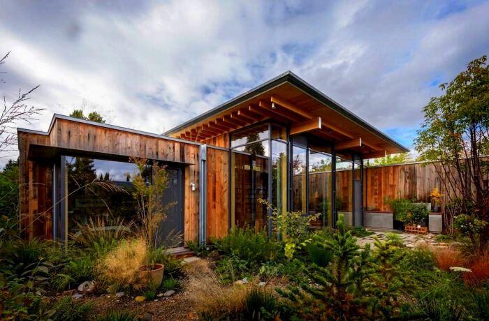 «Городская хижина»: спокойный отдых среди дикой природы в самом сердце Сиэтла