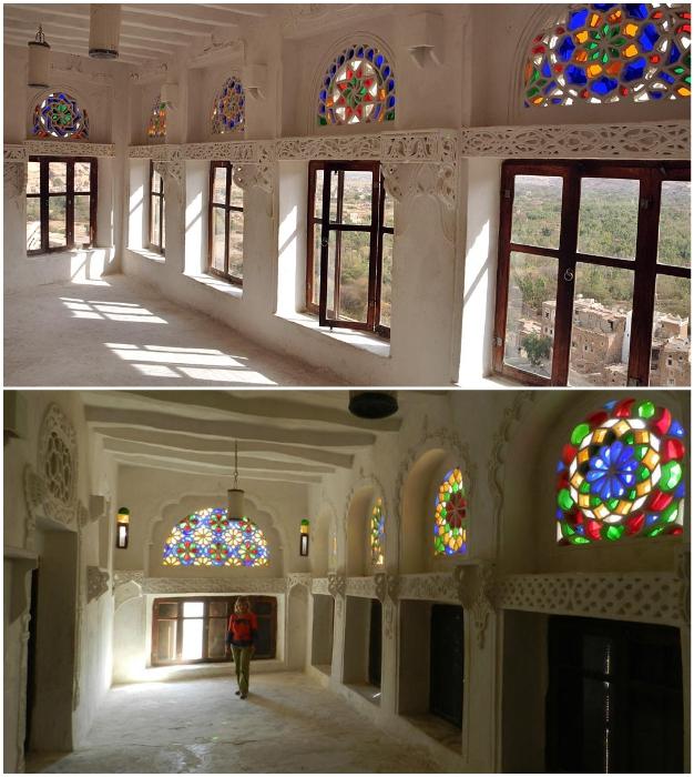 Самым ярким украшением интерьера замка на скале стали витражи и гипсовые орнаменты («Dar al-Hajar», Йемен).