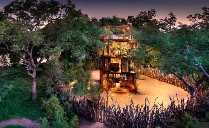 Установка солнечных батарей позволяет резиденции «Ngala Treehouse» существовать среди джунглей автономно («Ngala Treehouse», Kruger National Park). | Фото: businesstravelerusa.com.