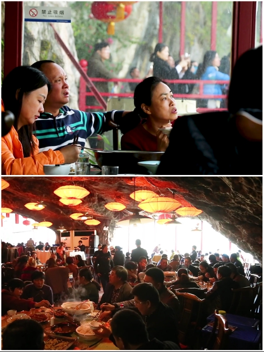 Несмотря на довольно небезопасное расположение в ресторане всегда полно народу. | Фото: youtube.com/ © dailyWOWvideo.