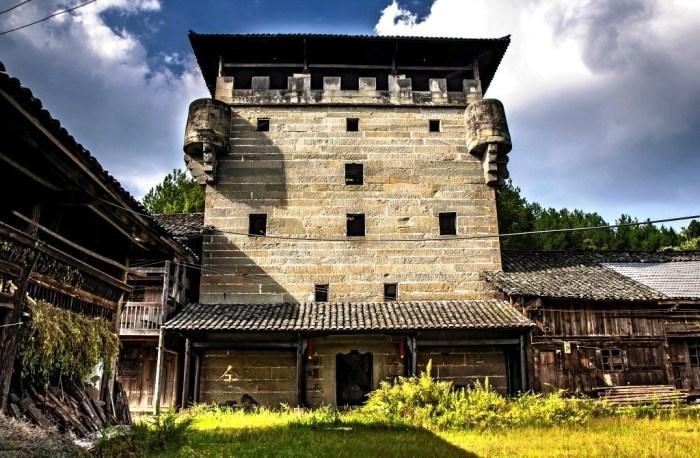 Внутренний двор общественного дяолоу (Гуандун, Китай). | Фото: arttravelblog.ru.