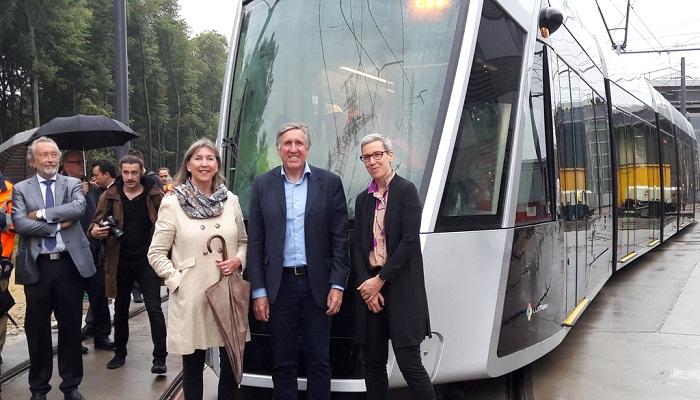 Открывал запуск современных трамваев министр инфраструктуры Франсуа Бауш и мэр города Люксембург Лидия Польфер.  | Фото: varlamov.ru.