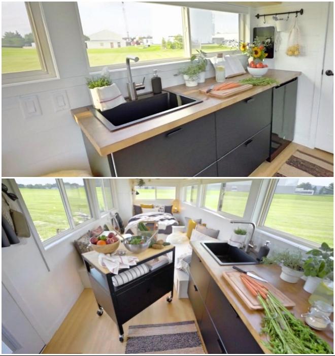 В домике на колесах удалось создать полностью оборудованную кухню (Ikea Tiny Home).