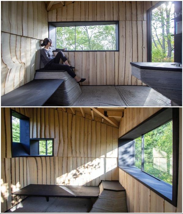 Несмотря на маленькую площадь, домик получился довольно уютным (Ashen Cabin, Итака). | Фото: dezeen.com.