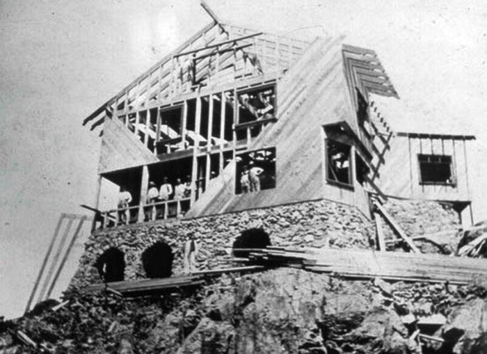 Джозеф Уортон выбрал в качестве строительного материала древесину дуба (Clingstone House, залив Наррагансетт). | Фото: telegraf.com.ua.