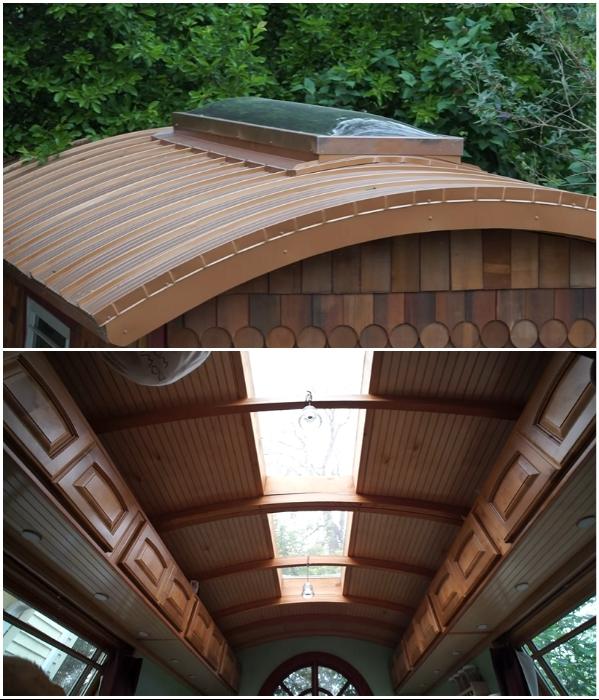 Большое окно на крыше микро-домика визуально увеличило его площадь («Lucky Penny», США). | Фото: youtube.com/ © Tiny House Giant Journey.