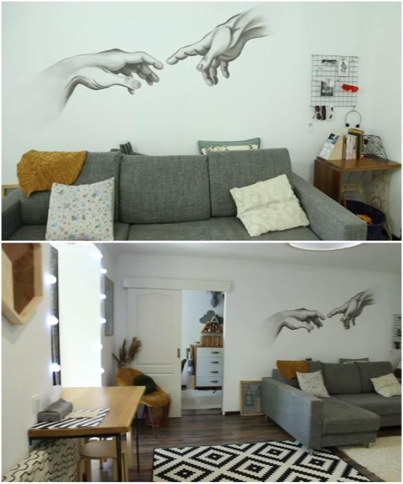 Интерьер гостиной в получившейся квартире-студии. | Фото: youtube.com / Oksana Matyash.