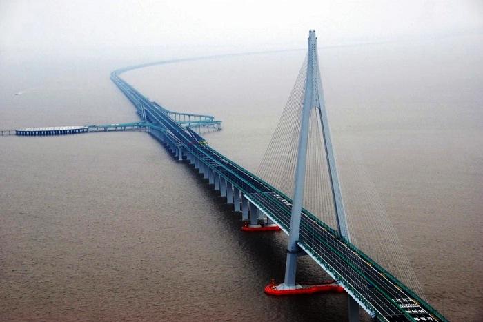 Мост Ран Янг – самый длинный мост через реку. (Китай).