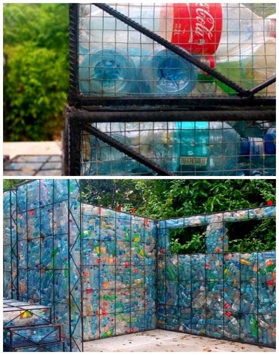 С помощью металлических каркасов и сетки, которые удерживают пластиковые бутылки и создаются стены, перегородки и даже ступени youtube.com.