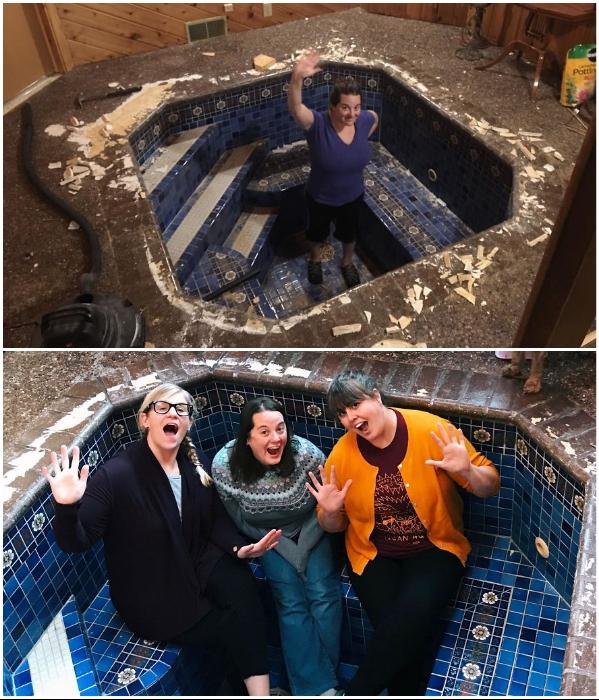 Дженни и ее подругам пришлось приложить массу усилий, чтобы привести ванну в порядок. | Фото: successlifelounge.com / © Mark Ronsman.