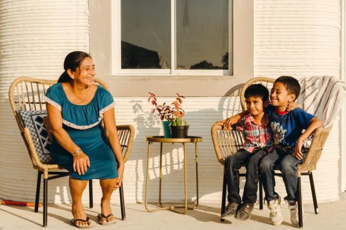 До нового года две семьи уже смогут поселиться в своих новых домах. | Фото: newatlas.com/ © New Story.