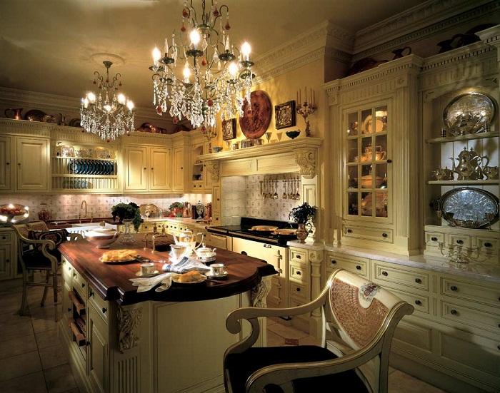 Традиционный интерьер итальянской кухни.