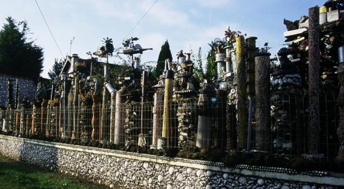 Северная часть фасада Le Jardin des Merveilles de Bohdan Litnianski со стороны улицы Жана Жореса (Вири-Нурей, Франция). | Фото: vivdim.com.