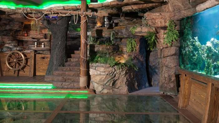 Интерьер подземного зала «Затонувший корабль» («Замок Гарибальди», с. Хрящевка). | Фото: garibaldicastle.com.