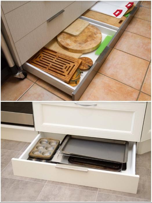 Выдвижные цокольные ящики увеличат количество мест хранения. | Фото: idealkitchen.ru.