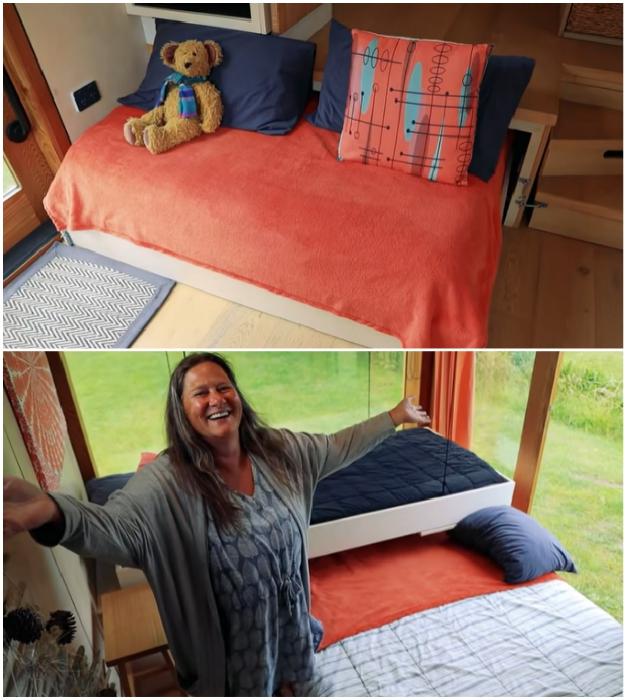 Подиум используется не только для зонирования пространства. © Living Big In A Tiny House.