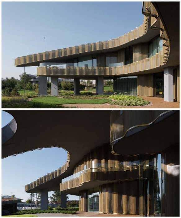 Многослойная конструкция размывает линию, разделяющую ландшафт и сооружение. | Фото: architectureartdesigns.com © Ilya Ivanov.