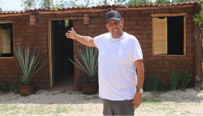 Омар Васкес Санчес – основатель Blue-Green в Пуэрто-Морелосе (Мексика). | Фото: gobiznext.com.