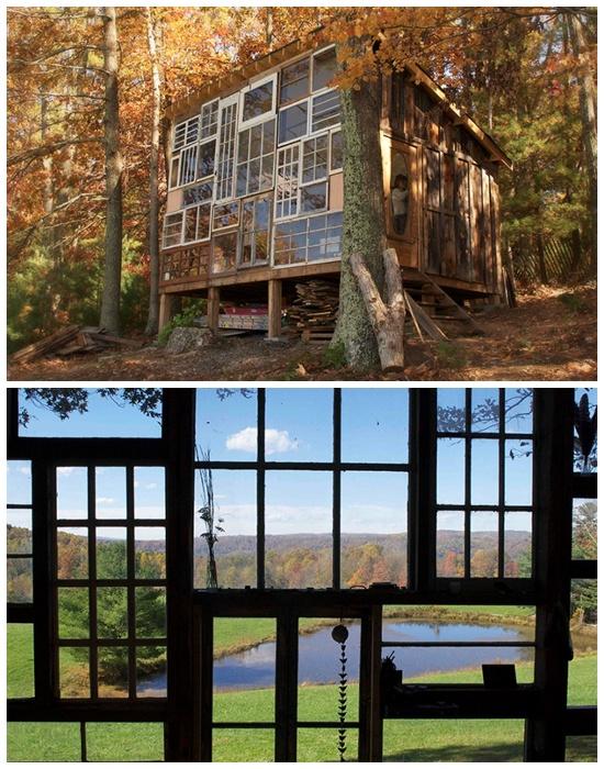 Крошечный домик на опушке леса The Sunset Hous имеет полностью остекленный фасад. | Фото: huckberry.com.