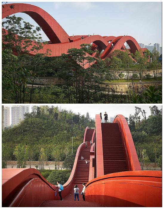 Виражи и подъемы моста Lucky Knot больше напоминают аттракцион «Американские горки» (Чанша, Китай).