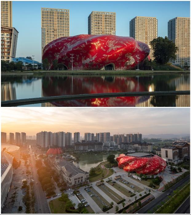 Футуристический театр Sunac Guangzhou Grand Theatre станет центром общественного пространства в новом районе Хуаду (Гуанчжоу, Китай).