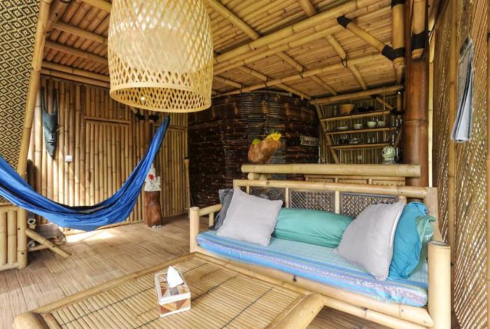 Гостиная эко-дома (Бали).