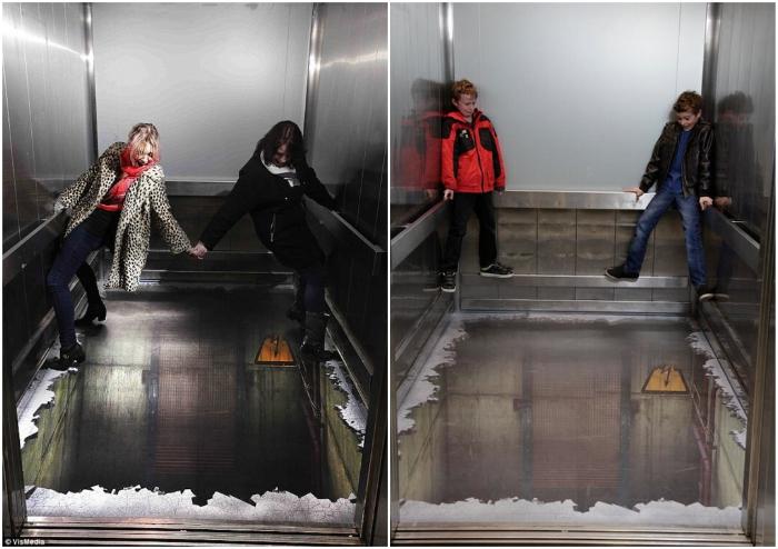 Пугающая иллюзия в лифте приводит новичков в шоковое состояние (ТЦ Southside Wandsworth, Великобритания).